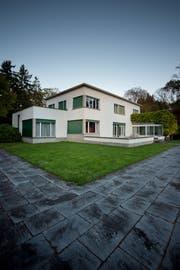 """Aussenansicht der Villa """"Senar"""" in Hertenstein (Bild Pius Amrein)"""