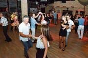Am Samstagabend besuchten sowohl junge und ältere Tanzbegeisterte das Dance Inn. (Bild: Christoph Heer)