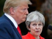 Die britische Premierministerin Theresa May kontert in einem Gastbeitrag in einer britischen Sonntagszeitung die vielfach geäusserte Kritik an ihrer Brexit-Strategie. (Bild: KEYSTONE/AP/PABLO MARTINEZ MONSIVAIS)