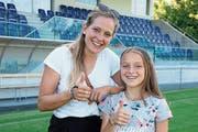 Sandra Betschart (links) gibt Lia Kamber Karrieretipps. (Bild: André Dommann/PD)