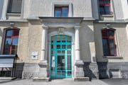 Das SBZ zentralslisiert seine Büros im alten Gemeindehaus. (Bild: Ralph Ribi)