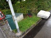 Das Corpus Delicti: Eine Matratze an der Bruggwaldstrasse 1. (Bild: Stadtmelder/Stadt St.Gallen)