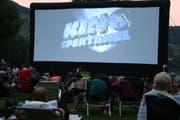 Eine gemütliche Atmosphäre: Kinospektakel im Strandbad Buochs-Ennetbürgen. (Bild: Sepp Odermatt (Buochs, 2. Juli 2018))