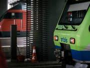 Die SBB lässt den Entscheid des Bundesamtes für Verkehr, der BLS zwei Fernverkehrslinien zuzuteilen, vom Bundesverwaltungsgericht prüfen. (Bild: KEYSTONE/CHRISTIAN BEUTLER)
