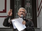 Der künftiger Präsident Mexikos, Andrés Manuel López Obrador, verzichtet auf einen Teil seines Gehaltes und will mit gutem Beispiel bei Sparmassnahmen in der öffentlichen Verwaltung vorausgehen. (Bild: KEYSTONE/EPA EFE/MARIO GUZMAN)