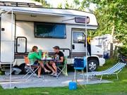 Zur Parahotellerie zählen neben Ferienwohnungen und Jugendherbergen auch Campingplätze. (Bild: KEYSTONE/MARTIN RUETSCHI)