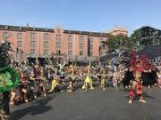 Aztekentänzer der Banda Monumental de Mexico bei den Proben für das Basel Tattoo 2018 im Kasernenareal. (Bild: Keystone-sda/Michael Wieland)