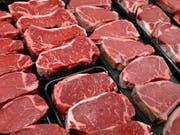Statt von geschlachteten Tieren könnte Fleisch bald aus Zellzüchtungen stammen. (Bild: KEYSTONE/AP/J. SCOTT APPLEWHITE)