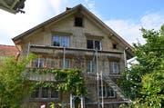 Am Haus entstand ein Sachschaden von mehreren Zehntausend Franken. (Bild: Kapo AR)