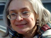 Die preisgekrönte Journalistin Anna Politkowskaja hatte sich mit Berichten über schwerste Menschenrechtsverbrechen im früheren Kriegsgebiet Tschetschenien viele Feinde gemacht. (Bild von 2005) (Bild: KEYSTONE/AP NOVAYA GAZETA)