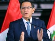 Der peruanische Staatschef Martín Vizcarra hat die Verhängung eines regionalen Ausnahmezustands mit «Sicherheitsproblemen» begründet. Er verwies dabei auf die Präsenz von Drogenhändlern und abtrünnigen Mitgliedern der früheren kolumbianischen Farc-Guerilla. (Bild: KEYSTONE/EPA Presidency Peru/EFE/ANDRÉS VALLE HANDOUT)