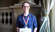 Der Krienser Fabian Hollinger hat im April die Schweizer Chemie-Olympiade gewonnen und sich damit für die aktuell stattfindende, internationale Olympiade qualifiziert. (Bild: PD)