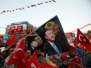 Liess den zweijährigen Ausnahmezustand im Land auslaufen: Türkeis Staatspräsident Recep Tayyip Erdogan. (Bild: KEYSTONE/AP/BURHAN OZBILICI)