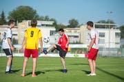 Der Afghane Habib hat sich auch durch den FC Sempach in die Schweiz integriert. Bild: Dominik Wunderli (20. Juni 2018)