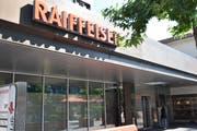 Das Vertrauen der Kunden in die Raiffeisenbank Werdenberg blieb gemäss deren Verwaltungsratspräsident Heini Senn auch während der Affäre Vinzens stabil. (Bild: Thomas Schwizer)