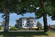Da der Wohnblock saniert und umgebaut wird, soll das Restaurant Terrasse in Wolhusen geschlossen werden. (Bild: Eveline Beerkircher)