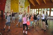 Tanzproben im Singcamp der Schwiizergoofe im Melchtal. (Bild: Birgit Scheidegger, 18. Juli 2018)