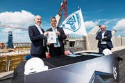 Lausanne-Präsident David Thompson (links): «Wir wollen unser Stadion in der Super League einweihen.» (Bild: Jean-Christophe Bott/Key (18. 6. 2018))