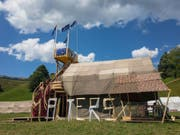 Die Pfadi Malters mit ihrem Prestige-Bau in Escholzmatt. (Bild: Martin Lustenberger)