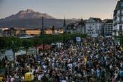 Stau – für einmal nicht durch Cars ausgelöst, sondern durch die Tausenden Festbesucher. (Philipp Schmidli (Luzern, 30. Juni 2018))