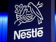 Der Nahrungsmittelkonzern Nestlé sieht sich erneut mit Forderungen der Beteiligungsgesellschaft Third Point konfrontiert. (Bild: KEYSTONE/JEAN-CHRISTOPHE BOTT)