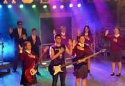 Insgesamt 37 Schüler treten beim Musical «School of Rock» auf. (Bild: Christoph Heer)