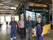 ZVB-Mechaniker testen den Bus in der Werkstatt (Bild: PD