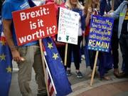 Immer mehr Firmenchefs in Grossbritannien fürchten den nahenden Austritt aus der EU. (Bild: KEYSTONE/AP/MATT DUNHAM)