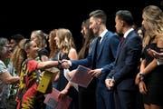 Die glücklichen Absolventen konnten ihre Diplome entgegennehmen.Bild: Pius Amrein (Luzern, 2. Juli 2018)