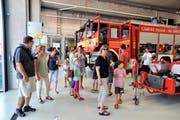 Hunderte interessierte Besucherinnen und Besucher besichtigten am Samstag das neue Depot und den Fuhrpark der Feuerwehr Rheineck-Thal-Lutzenberg. (Bild: Max Tinner)