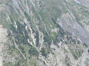 Der Gleitschirmpilot stürzte bei einer Bergflanke oberhalb von Ausserberg VS ab. (Bild: KAPO VS)