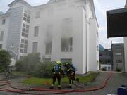 Das vom Brand betroffene Mehrfamilienhaus in Ibach (Bild: Kantonspolizei Schwyz)