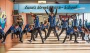 «We are Hip-Hop». Die jugendlichen Tänzerinnen und Tänzer führen ihre erfolgreiche Show vor. (Bild: Maya Heizmann)