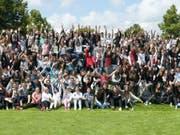 160 Jugendliche aus Serbien, Moldawien, Mazedonien, Russland, Polen, Weissrussland, Ukraine, der Türkei und der Schweiz begegneten sich im zweiwöchigen Sommer-Camp im Kinderdorf Pestalozzi in Trogen AR (Bild: Keystone/CHRISTIAN POSSA)