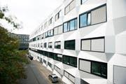 Das Gebäude der Universität Luzern. (Bild: Corinne Glanzmann, 10. September 2015)