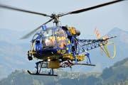 Ein Helikopter der Alpinlift im Einsatz. (Archivbild: Matthias Piazza)