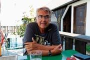 Tief im Gespräch: Werner Sutter erzählt gerne von seiner Kindheit in Rorschach. (Bild: Rossella Blattmann)