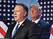 US-Aussenminister Mike Pompeo und Präsident Donald Trump am Nato-Gipfel. (Bild: Geert Vanden Wijngaert/Keystone (Brüssel, 12. Juli 2018))