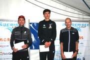 Der Sieger Valentin Pfeil (Mitte) machte seinem Ruf als schnellster Österreicher Ehre. Links der Zweitplatzierte Christian Kreienbühl und rechts der Drittplatzierte Fabian Kuert (beide Schweiz).
