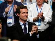 Der strahlende Sieger: Pablo Casado nach seiner Wahl an die Parteispitze der spanischen Konservativen (Partido Popular). (Bild: KEYSTONE/EPA EFE/JUAN CARLOS HIDALGO)