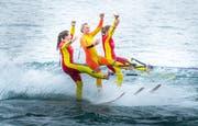Wasserski-Akrobatik der WACU-Gruppe bei der Stedi Berlingen. (Bilder: Andrea Stalder)