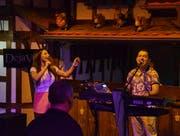 Dana und Eugen sind das Duo «Deja Vu» aus der Slowakei. Sie sorgen für die richtigen Klänge im Tanzstadl.