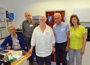 Das Reparatutti-Team vom B'treff. Von links: Angelo Talamona, Michael Suter, Ilka Wälchli, Walter Salis und Eva Chillante. Bilder: Christoph Heer
