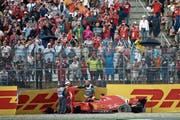 Das Unheil in der 52. Runde: Ferrari-Pilot Sebastian Vettel scheidet in Führung liegend aus. (Bild: Charles Coates/Getty (Hockenheim, 22. Juli 2018))
