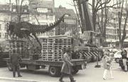 Fertig lustig: Die Eisenplastik wird im April 1995 wieder abtransportiert. (Bild:PD)