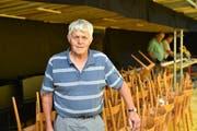 Bruno Bösch und sein Seniorenteam haben die Bauarbeiten im Griff. (Bild: Heini Schwendener)