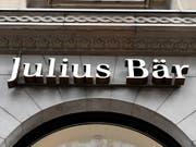 Julius Bär hat im ersten Halbjahr mehr Gewinn erzielt und mehr Nettoneugeld verzeichnet. (Bild: KEYSTONE/WALTER BIERI)