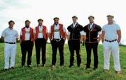 Die Ostschweizer Kranzgewinner von links: Tobias Krähenbühl, Michael Bless, Martin Hersche, Daniel Bösch, Samuel Giger, Roger Rychen und Stefan Burkhalter. (Bild: Pascal Schönenberger)