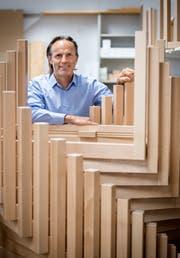 Daniel Brunner, Leiter des Arbeitsheimes für Behinderte Amriswil (ABA), in der Produktion. (Bild: Reto Martin)