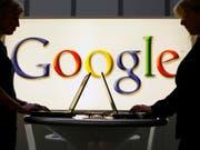 Obschon die Google-Mutter Alphabet die Rekordstrafe der EU-Kommission anfechten will, wurde sie in der Bilanz bereits verbucht. (Bild: KEYSTONE/AP/JENS MEYER)